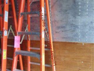 Werner fiberglass 8  ladder 300lb cap