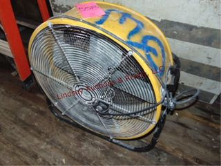 Maxx Floor Fan