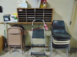 Group w  6 Metal Folding Chairs