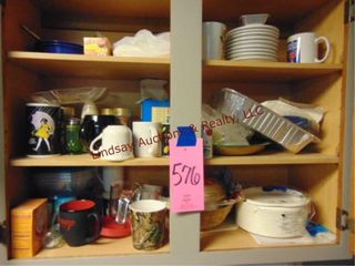 Contents in Cabinets  Paper Plates