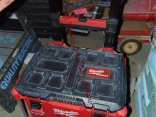Milwaukee tool box on whls