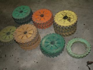 65   OlD PlANTER PlATES