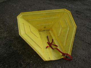 WESTFIElD A103 POlY AUGER HOPPER   YEllOW