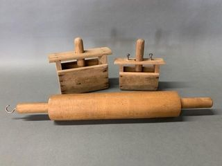 Treenware lot Butter Presses and Rolling Pin