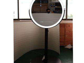 Round Mirror w  light Stand