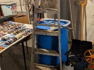 4 Ft ladder  55 Gallon Tank With Syphon Pump Never Been Used   Sprayer