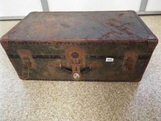 Trunk with Tray  30  x 16  x 12