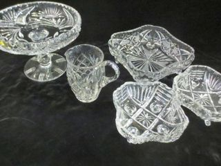 CUT CRYSTAl PEDESTAl CAKE PlATE  SQUARE FOOTED