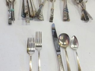 COMMUNITY PlATE FlATWARE   5PC PlACE SETTING FOR 8