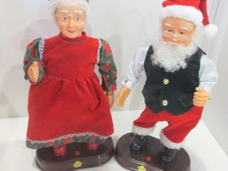 BATTERY OPERATED DANCING ClAUS COUPlE   13 H