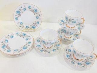 ROYAl TUSCAN TEA SET FOR 4   TEACUPS AND SAUCERS