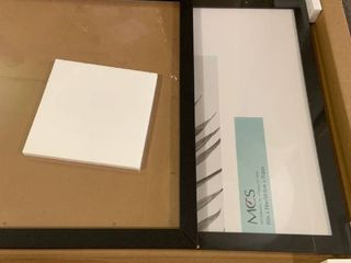 2pk   20 x 28 Wood Gallery Frame   Black