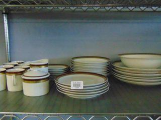 Set of matching pottery ware