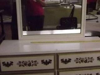 white dresser w matching mirror