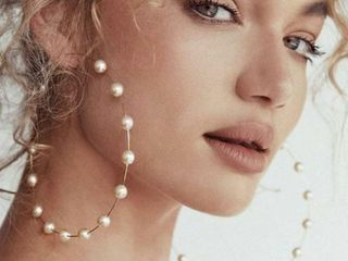 Fashionable and Big Pearl Strings Big Hoops of