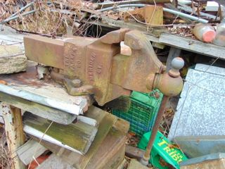 Farm& Antique Auction