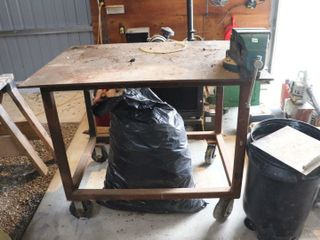 3 X4  STEEl TABlE WITH 6  VISE ON CASTORS