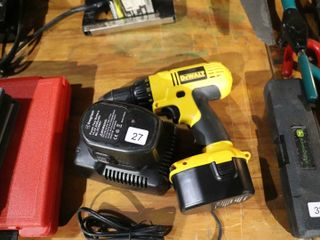 DEWAlT 14 4 DRIll WITH CHARGER AND 2 BATTERIES