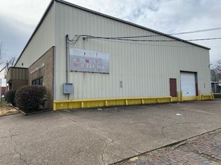 6,000 sf Commercial Building & 25'x127' Vacant Lot | Vanderburgh Co. Online Auction | Evansville, IN