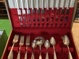 Oneida Silverware set