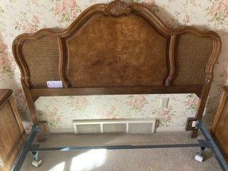Queen bed wicker pattern w metal frame