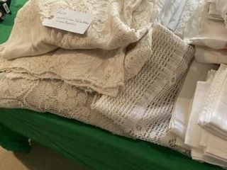 laced Table cloths and linen Napkins