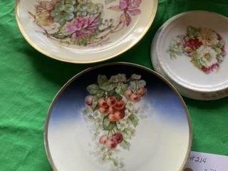 2 Plates  1 serving Bowl  1 Tea Pot