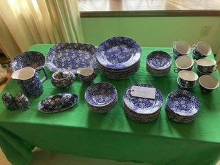 Dinnerware Set Calico pattern England