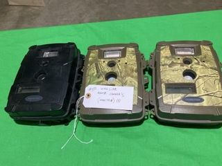 Game cameras Moultrie