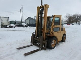 Unreserved   Hyster lPG Outdoor Forklift