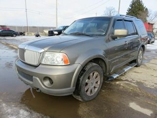 Impound   2004 lincoln Navigator luxury 4WD