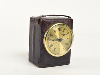 COMPlIMENTS BRITISH AMERICAN OIl CO  TRAVEl ClOCK