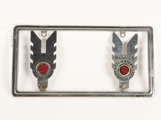 GOODRICH SIlVERTOWN lICENSE PlATE TOPPERS DISPlAY