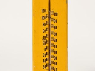 ONTARIO AUTOMOBIlE PARTS   ACC  WOOD THERMOMETER