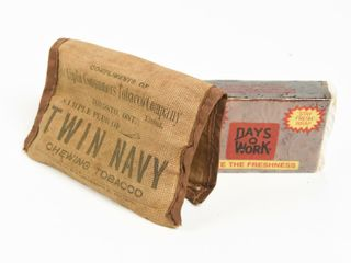 SAMPlE PlUG TWIN NAVY CHEWING TOBACCO  BURlAP CASE