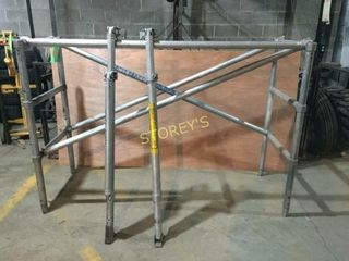 6  52  Scaffolding Extension w  2 Outriggers