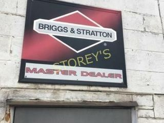 Briggs   Stratton Tin Sign   35 x 30