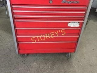 Snap On 7 Drawer Rolling Tool Box