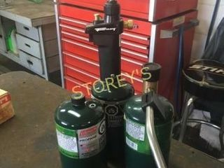 3 Propane Tanks   torch
