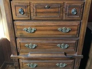 Dresser  chest of drawers