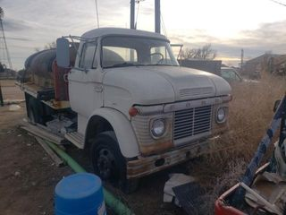 Ford l600 water truck