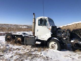 1990 IH semi tractor