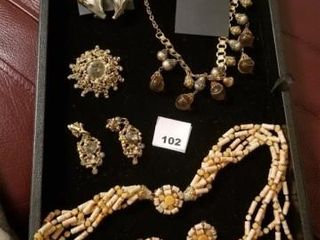 4 sets of costume jewlery