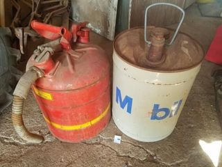 Vintage Mobil oil can and Red gas can