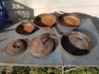 Cast Iron Skillets 4
