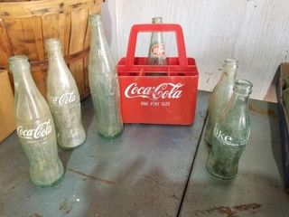 Coca Cola pint size carrier and bottles  Frostie R