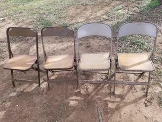 4 metal folding chairs Clarin
