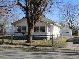 2 BEDROOM HOME - GARAGE - LOTS - Selling in 2 Parcels - Online Bidding Ends THUR, MARCH 4 @ 4:00 PM CST