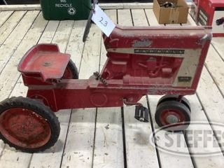 Kunau Collectible Toy Tractor Auction