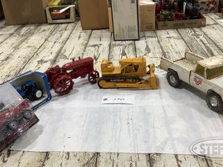Pickup Dozer W 9 NH 8560 CIH 4420 0 jpg